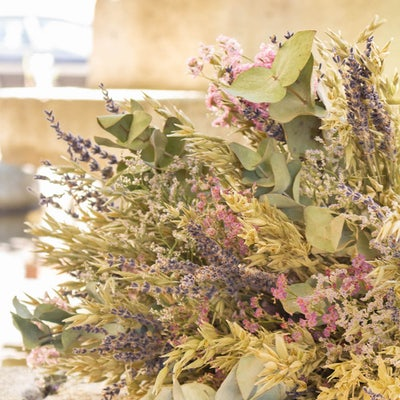 Zoom auf Trockenblumenstrauß Luberon