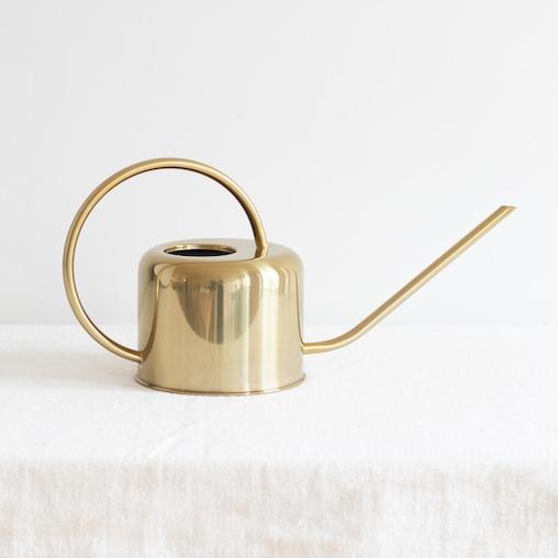 Arrosoir doré