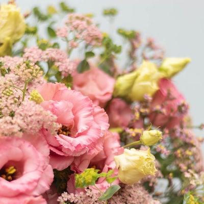 Nahaufnahme Palm Beach+Blumenstrauß