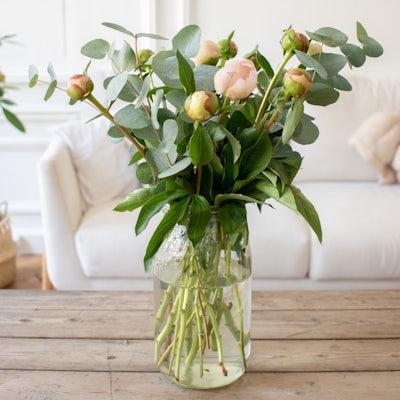 Brassée à composer Guérande à réception, avant éclosion, dans son vase Le Parfait XL parfaitement adapté.