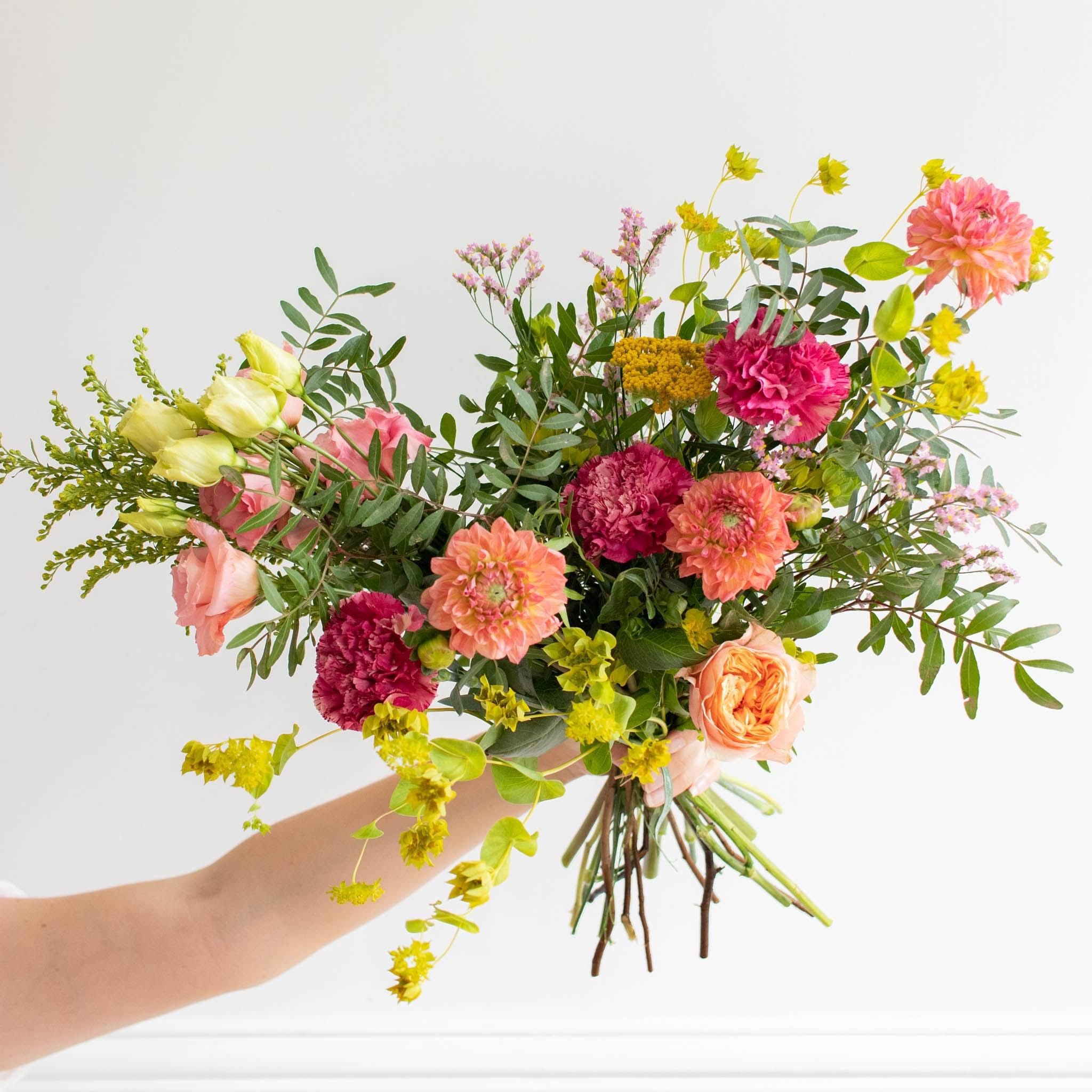 """Blumenstrauß Punta del Este - Innerhalb der nächsten zwei Wochen spenden wir pro verkauftem Blumenstrauß 2€ an """"Aktion Deutschland hilft"""" und die Betroffenen der Hochwasser-Katastrophe."""