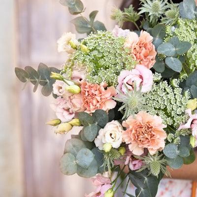 Bouquet ornementé d'eucalyptus