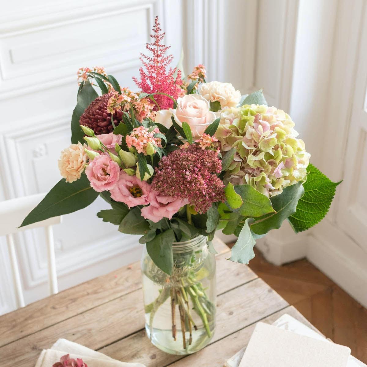 Blumenstrauß Alba & Le Parfait vase