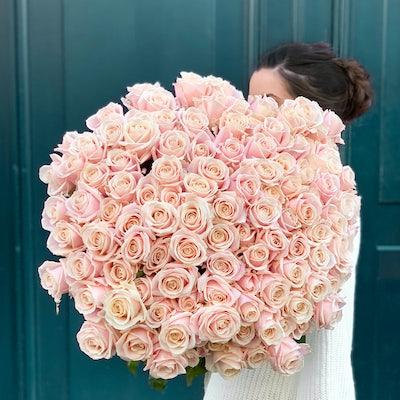 bouquet de fleurs avec roses