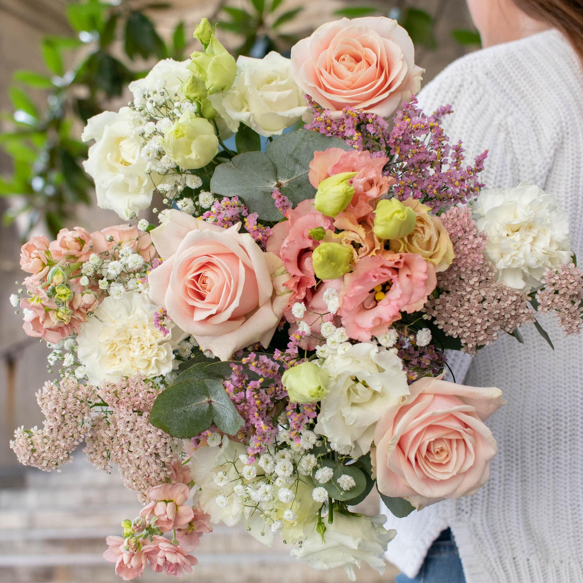 """Blumenstrauß Amalfi - Innerhalb der nächsten zwei Wochen spenden wir pro verkauftem Blumenstrauß 2€ an """"Aktion Deutschland hilft"""" und die Betroffenen der Hochwasser-Katastrophe."""